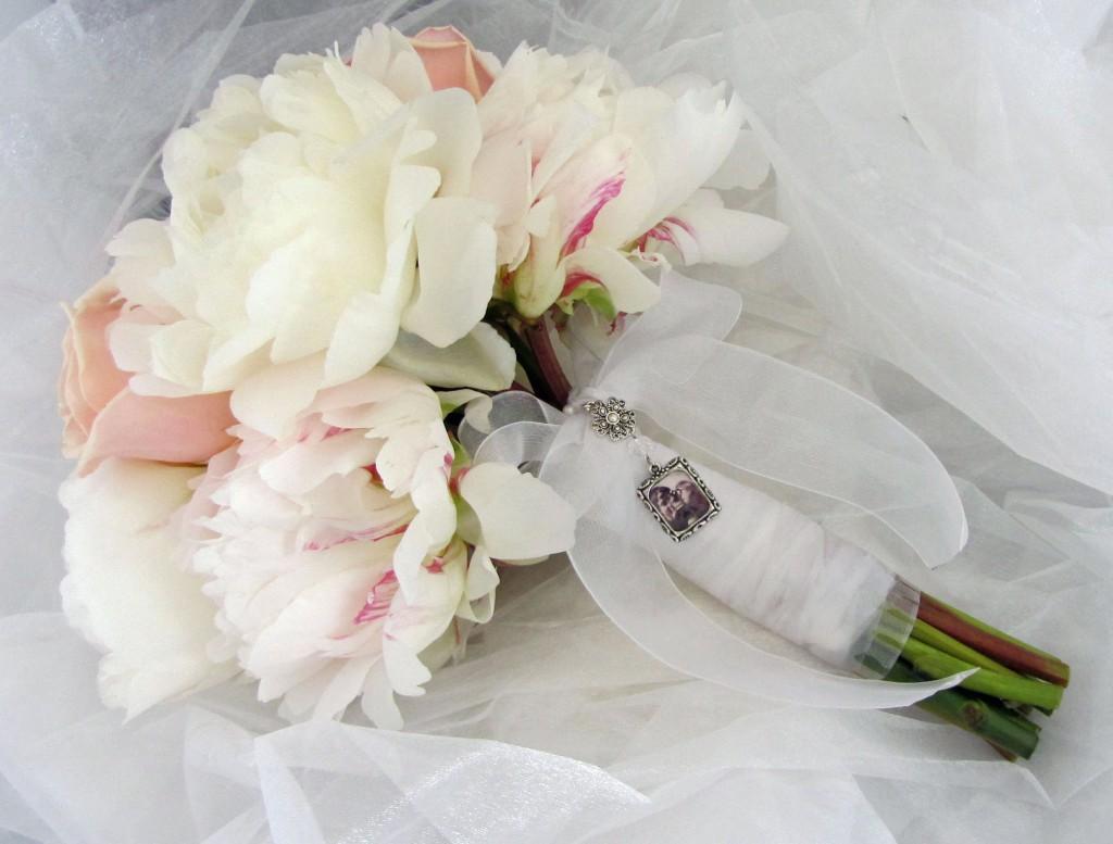 48ced61195 Čarovná a voňavá svadobná kytica - La Fiaba - Blog