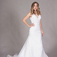 Úzke svadobné šaty s A-sukňou