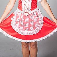 Červená A-sukňa a čipkovaná zástera