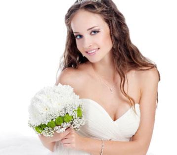 Svadobný salón La Fiaba - svadobné šaty Košice b0a3c5069b8